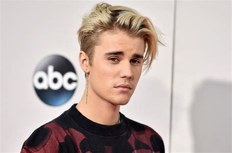 Justin Bieber Makes His Instagram Return Official With